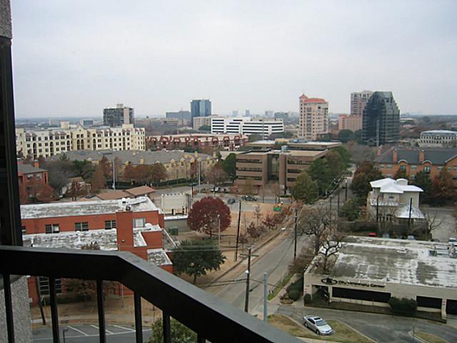 3030 Mckinney Avenue, Dallas, Texas 75204 - acquisto real estate best highland park realtor amy gasperini fast real estate service