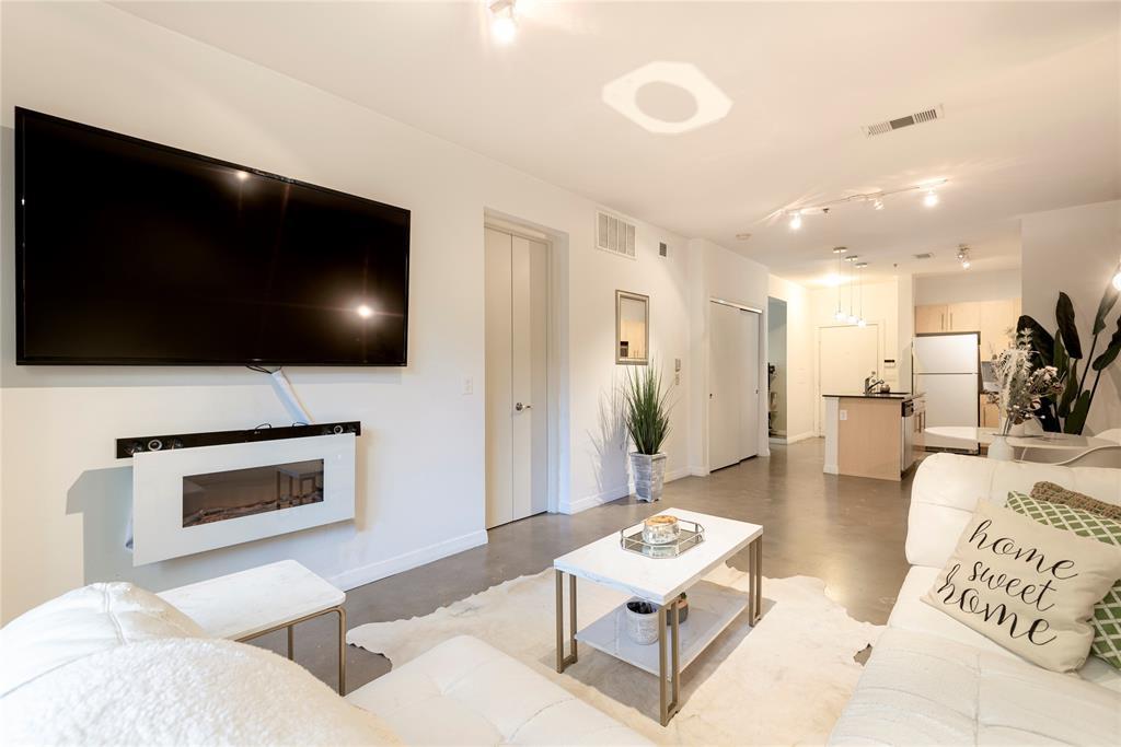 4111 Gilbert Avenue, Dallas, Texas 75219 - acquisto real estate best prosper realtor susan cancemi windfarms realtor