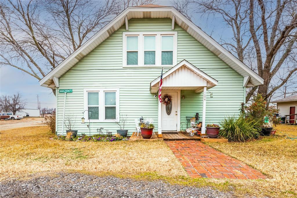 204 Doyle Street, Ponder, Texas 76259 - Acquisto Real Estate best frisco realtor Amy Gasperini 1031 exchange expert
