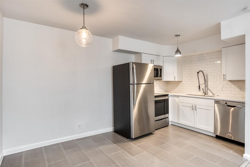 5708 Hudson Street, Dallas, Texas 75206 - acquisto real estate best highland park realtor amy gasperini fast real estate service