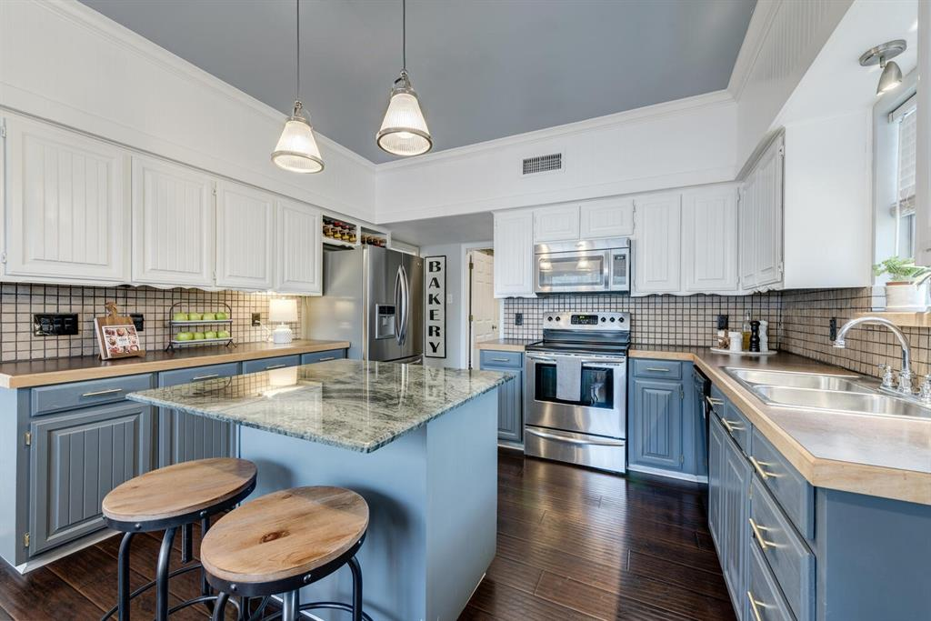 6737 Moss Lane, North Richland Hills, Texas 76182 - acquisto real estate best real estate company to work for