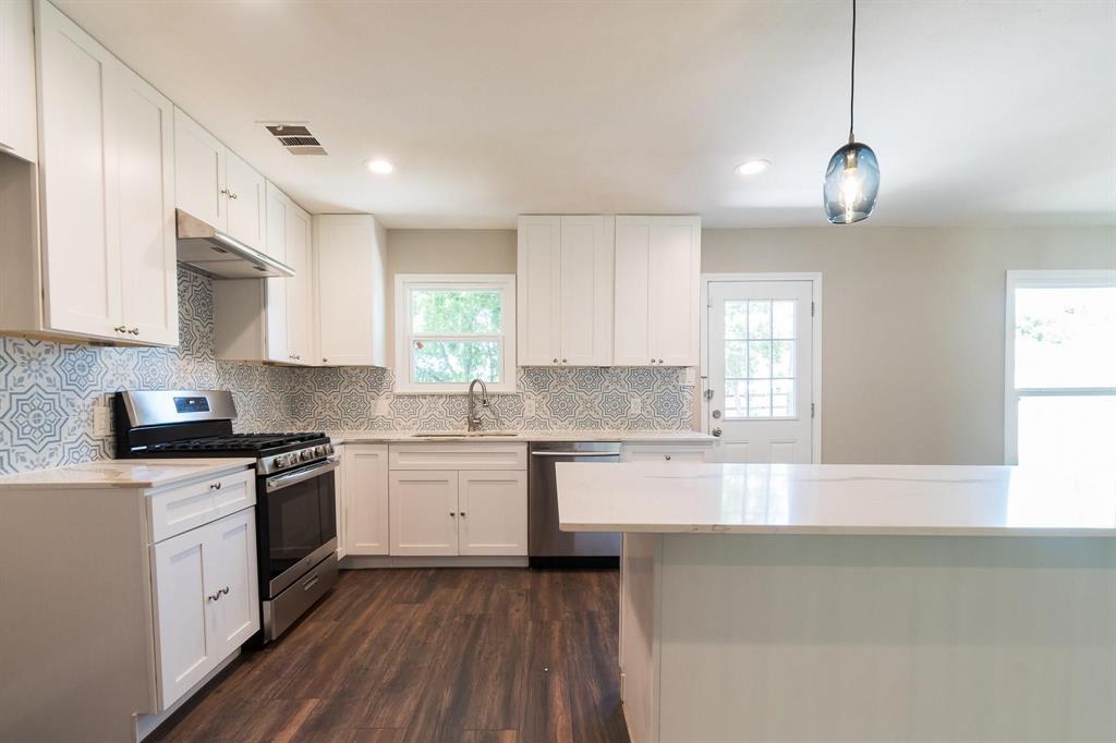 9444 Forest Hills Place, Dallas, Texas 75218 - acquisto real estate best highland park realtor amy gasperini fast real estate service