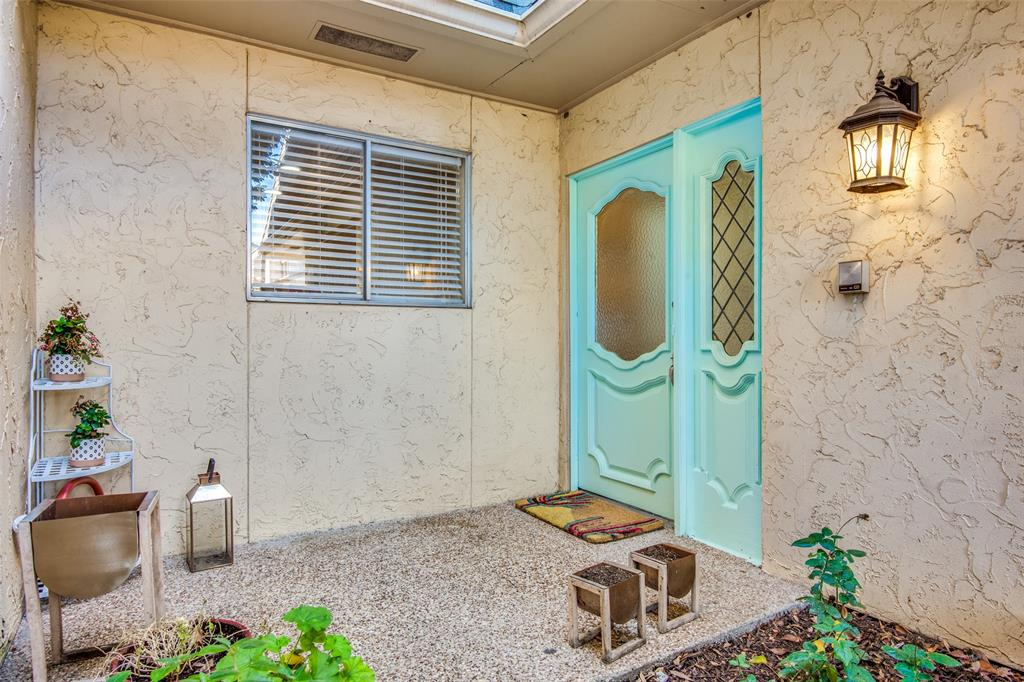 9030 Emberglow Lane, Dallas, Texas 75243 - acquisto real estate best allen realtor kim miller hunters creek expert