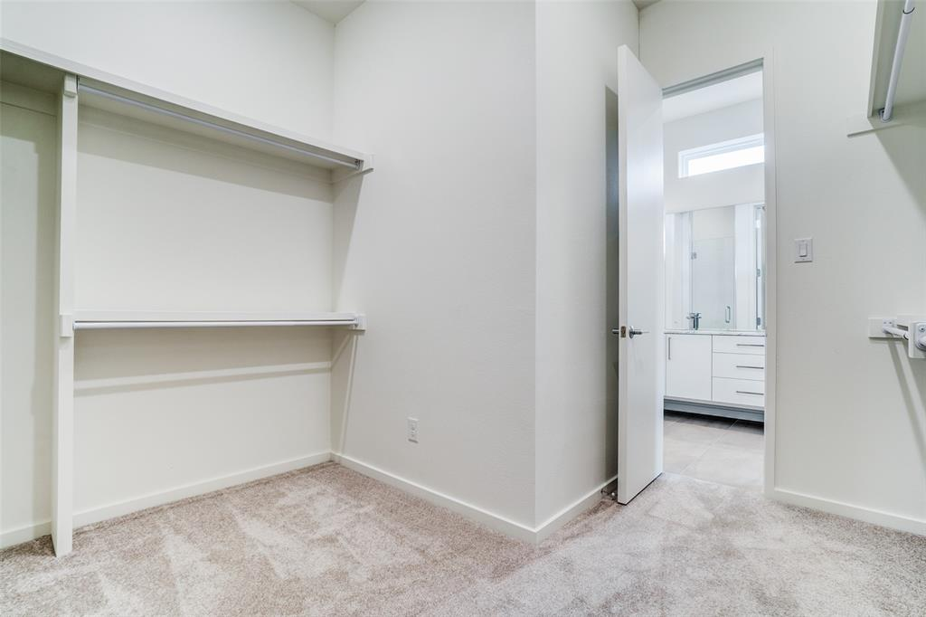 4202 Roseland Avenue, Dallas, Texas 75204 - acquisto real estate best investor home specialist mike shepherd relocation expert