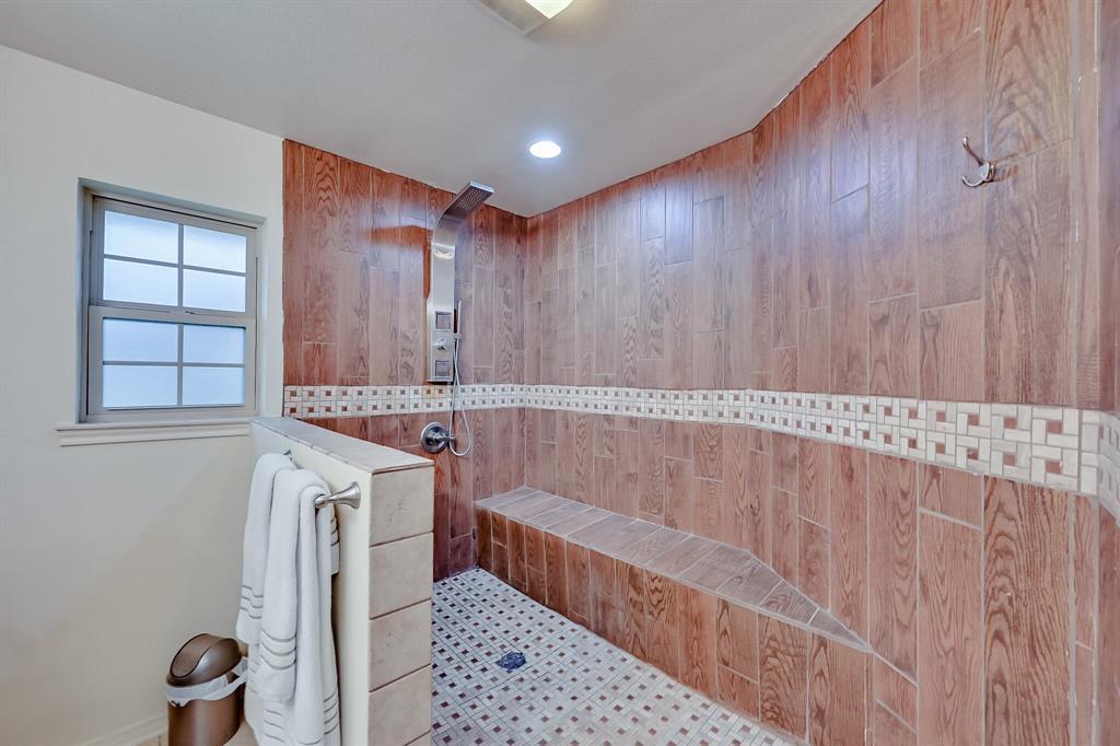 401 Country Club Drive, Joshua, Texas 76058 - acquisto real estate best negotiating realtor linda miller declutter realtor
