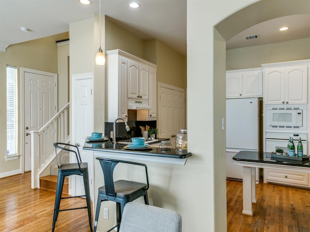4102 Oberlin Way, Addison, Texas 75001 - acquisto real estate best celina realtor logan lawrence best dressed realtor