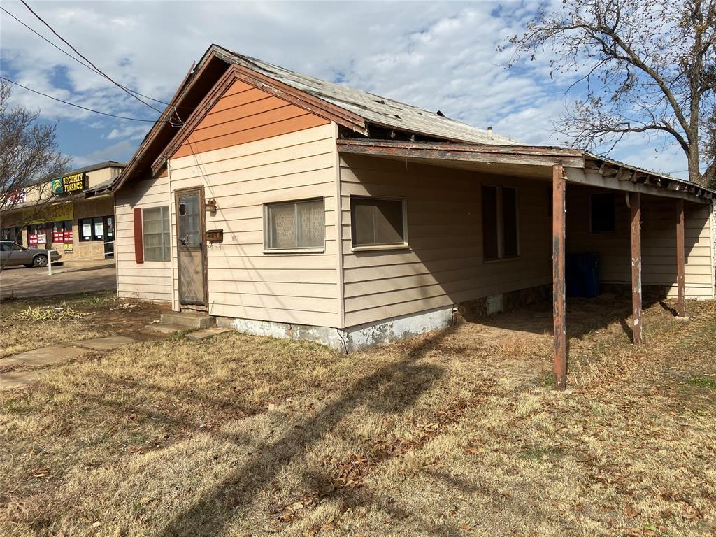 1209 Elm  Street, Breckenridge, Texas 76424 - acquisto real estate best prosper realtor susan cancemi windfarms realtor