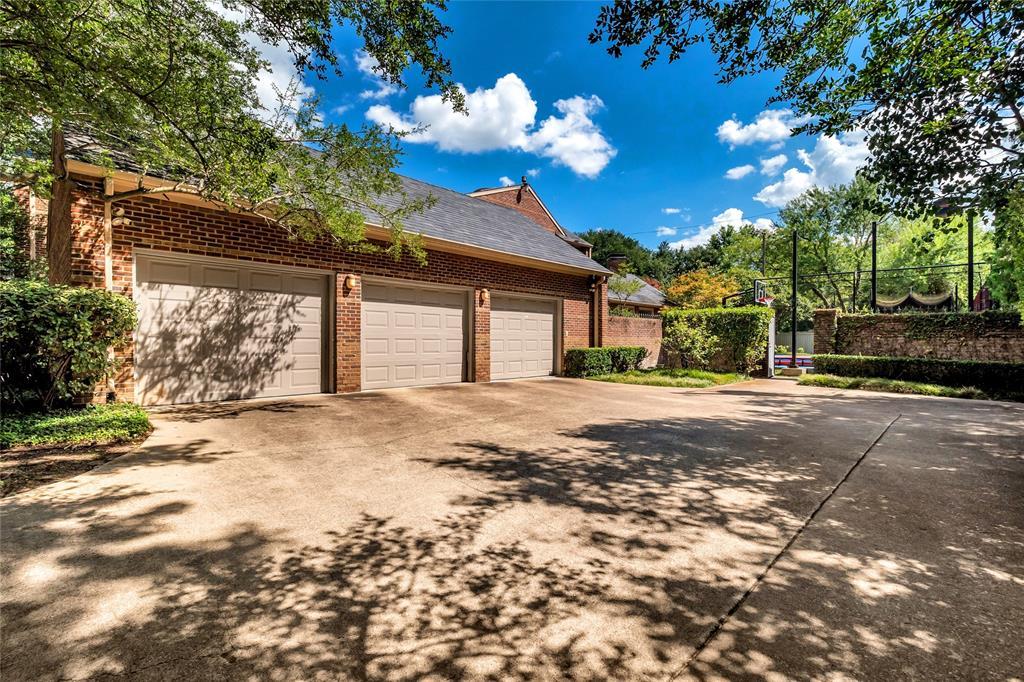 10131 Hollow Way Road, Dallas, Texas 75229 - acquisto real estate best negotiating realtor linda miller declutter realtor