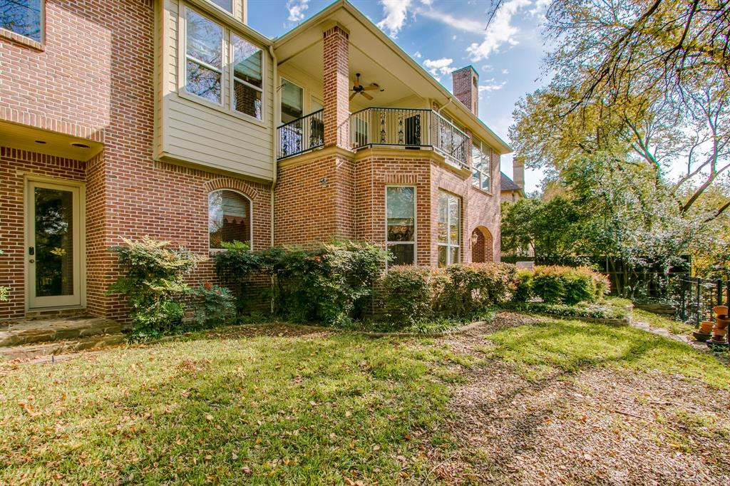 401 Fall Creek Drive, Richardson, Texas 75080 - acquisto real estate best looking realtor in america shana acquisto