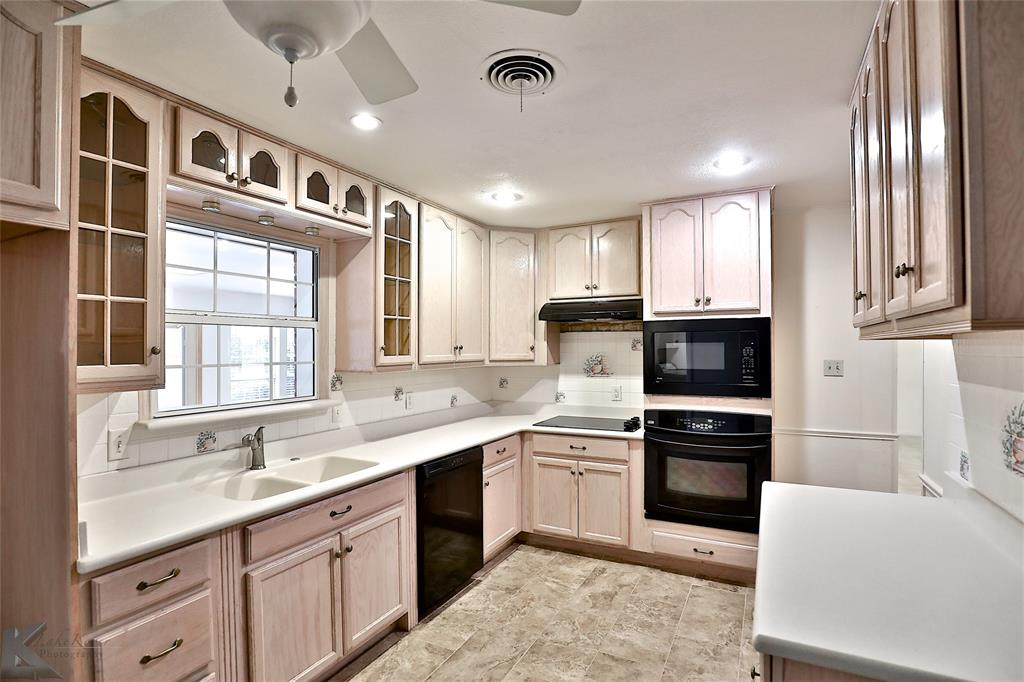 2033 Greenbriar Drive, Abilene, Texas 79605 - acquisto real estate best real estate company to work for