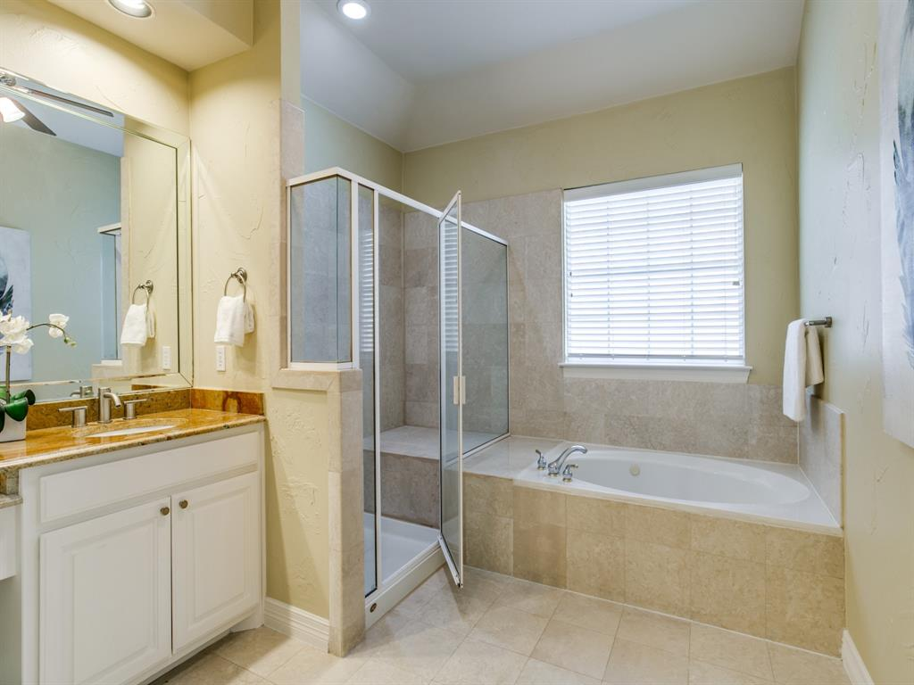 4102 Oberlin Way, Addison, Texas 75001 - acquisto real estate best new home sales realtor linda miller executor real estate
