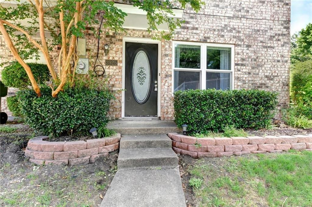 3925 Brandon Park Drive, Garland, Texas 75044 - Acquisto Real Estate best plano realtor mike Shepherd home owners association expert