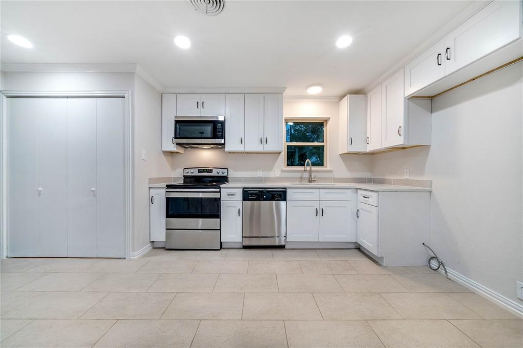 1805 Viewcrest Drive, Dallas, Texas 75228 - acquisto real estate best real estate company to work for