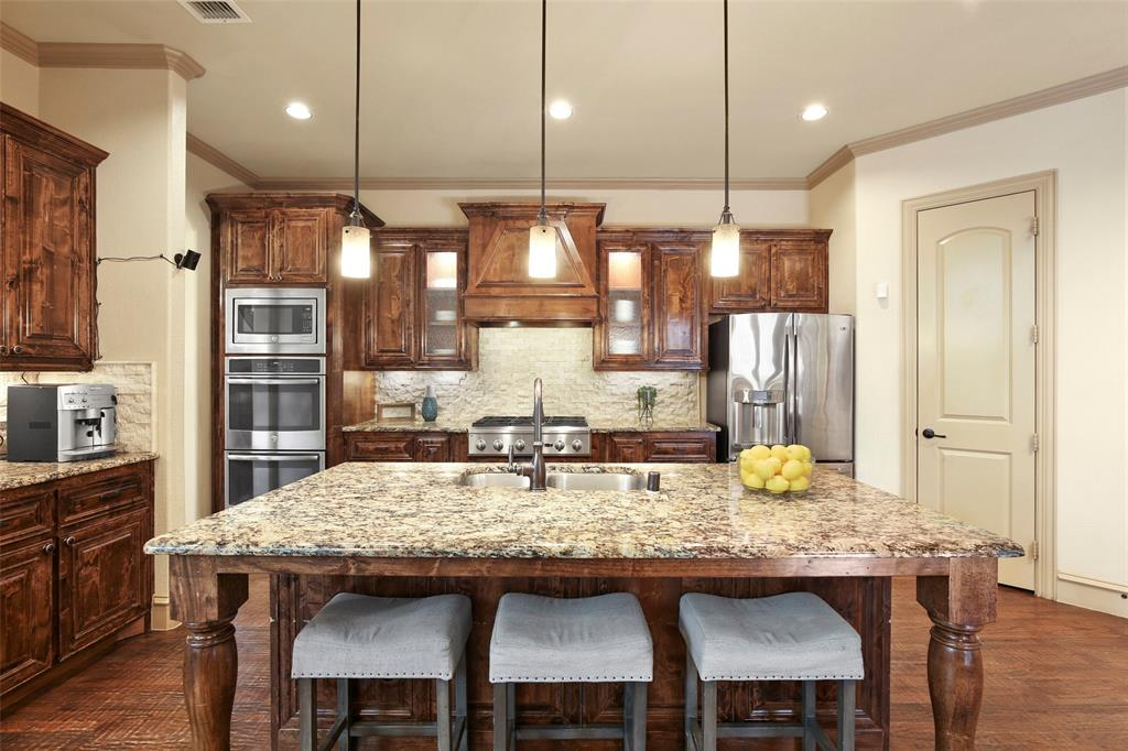 1054 Shadyside Lane, Dallas, Texas 75223 - acquisto real estate best luxury buyers agent in texas shana acquisto inheritance realtor
