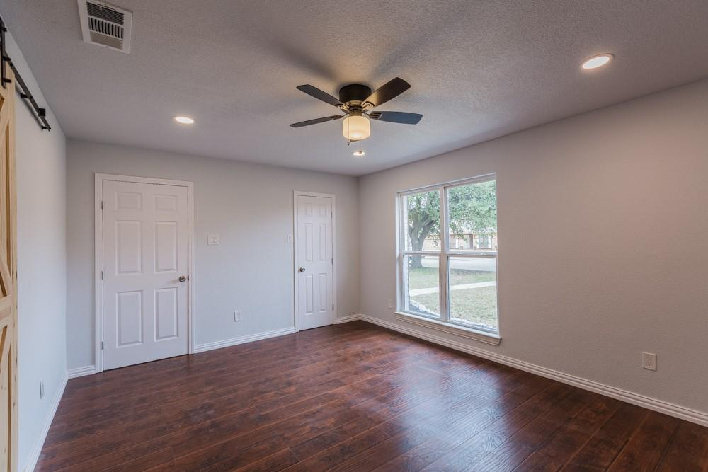 1881 Tucson Drive, Lewisville, Texas 75077 - acquisto real estate best new home sales realtor linda miller executor real estate