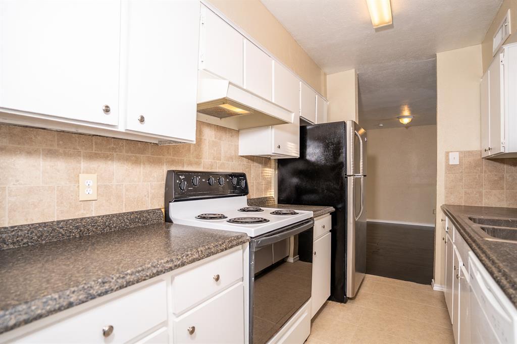 4612 Country Creek  Drive, Dallas, Texas 75236 - acquisto real estate best realtor dfw jody daley liberty high school realtor