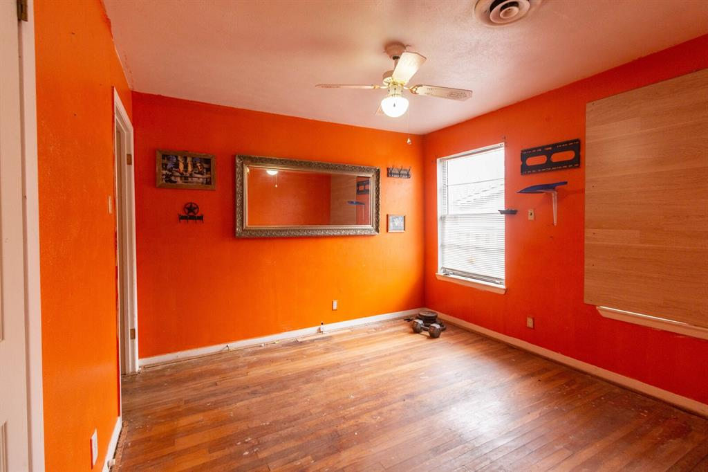 3404 Baylor Street, Fort Worth, Texas 76119 - acquisto real estate best investor home specialist mike shepherd relocation expert