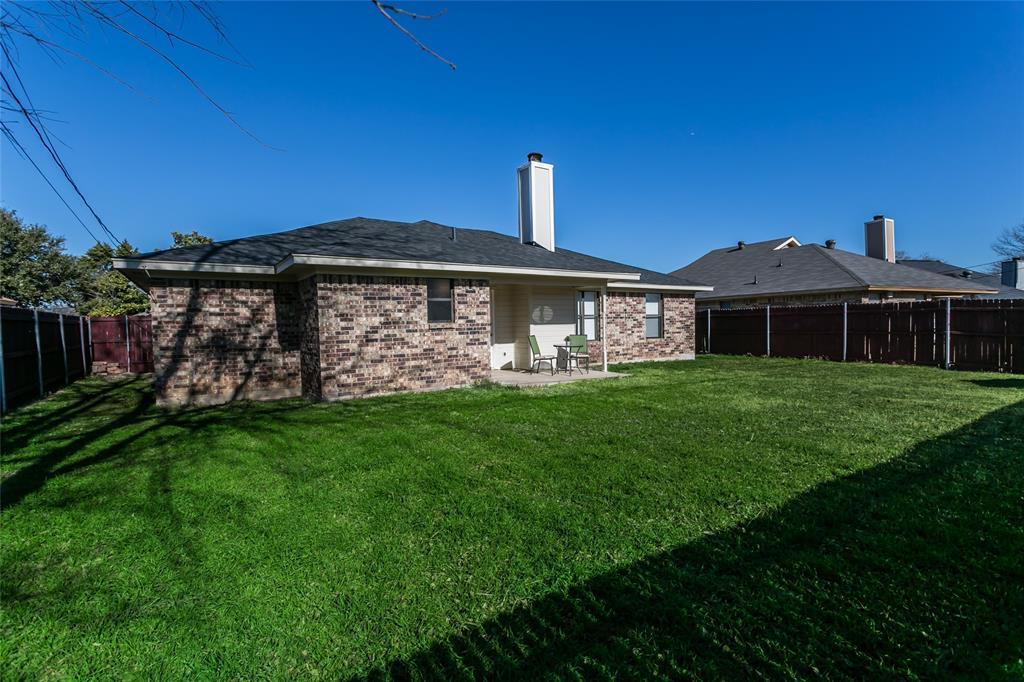 321 Chambers Creek Drive, Everman, Texas 76140 - acquisto real estate best negotiating realtor linda miller declutter realtor