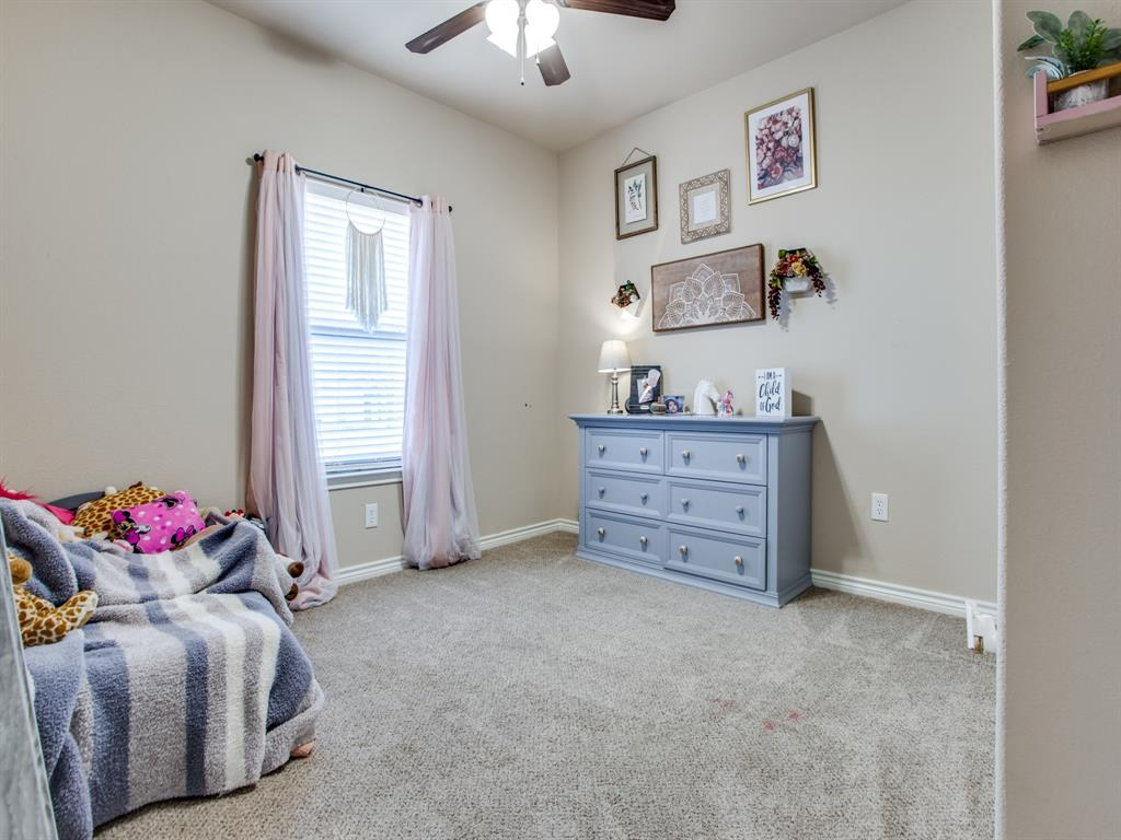 415 Montague Street, Pilot Point, Texas 76258 - acquisto real estate best realtor dallas texas linda miller agent for cultural buyers