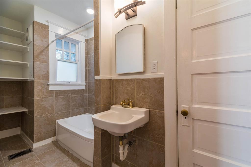 602 Travis Street, Sherman, Texas 75090 - acquisto real estate best listing agent in the nation shana acquisto estate realtor