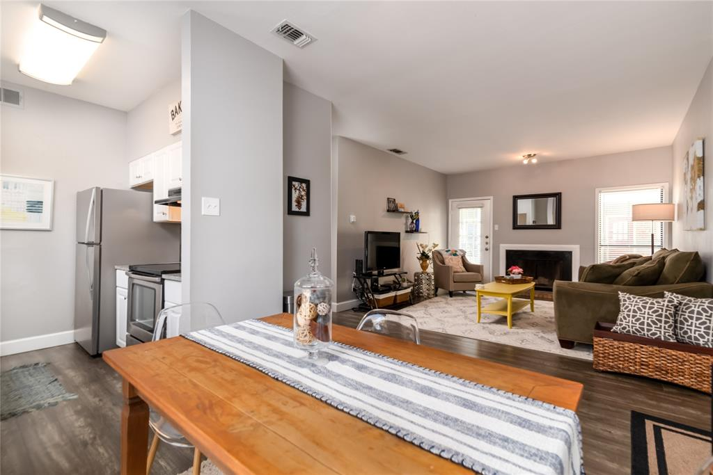 5620 Live Oak  Street, Dallas, Texas 75206 - acquisto real estate best prosper realtor susan cancemi windfarms realtor