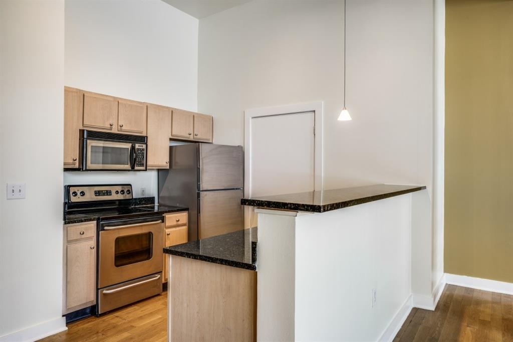 2502 Live Oak Street, Dallas, Texas 75204 - acquisto real estate best highland park realtor amy gasperini fast real estate service