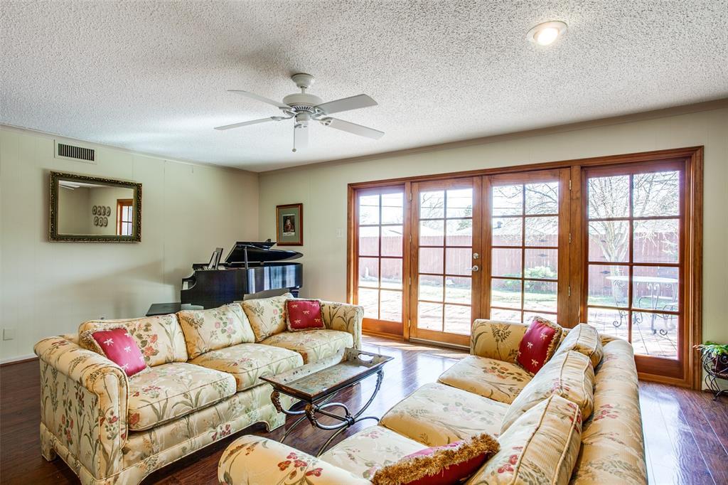 6840 Whitehill Street, Dallas, Texas 75231 - acquisto real estate best highland park realtor amy gasperini fast real estate service