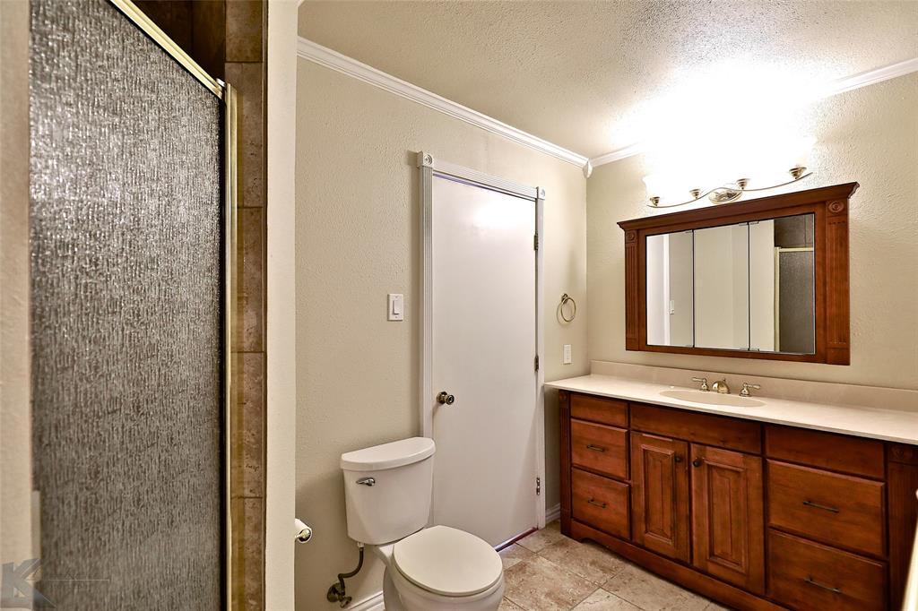 2033 Greenbriar Drive, Abilene, Texas 79605 - acquisto real estate best realtor foreclosure real estate mike shepeherd walnut grove realtor