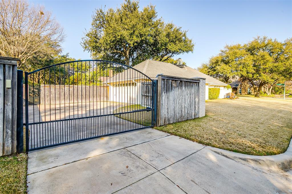 6701 Glen Meadow Drive, Fort Worth, Texas 76132 - acquisto real estate mvp award real estate logan lawrence