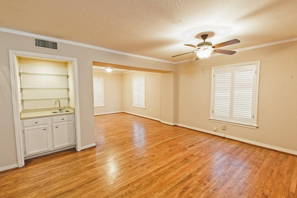 6324 Bordeaux Avenue, Dallas, Texas 75209 - acquisto real estate best highland park realtor amy gasperini fast real estate service