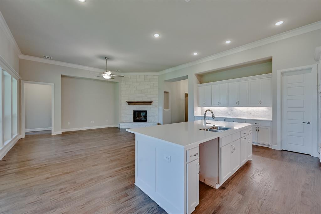1708 Scarborough Drive, Arlington, Texas 76001 - acquisto real estate best negotiating realtor linda miller declutter realtor