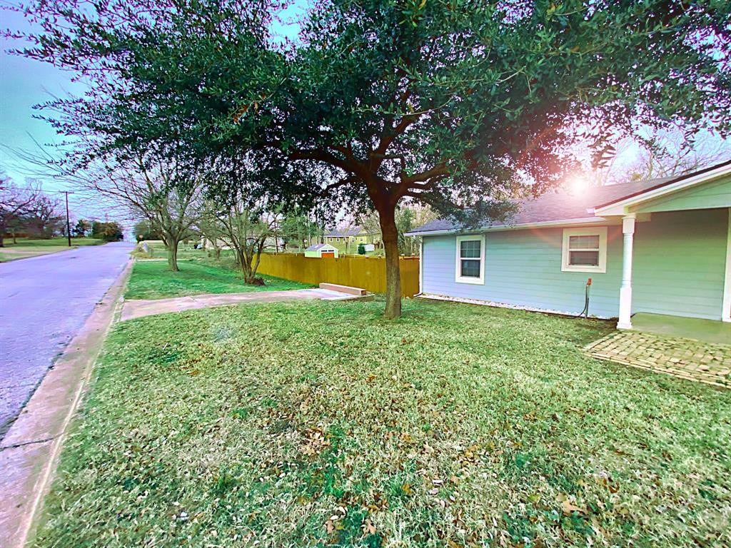 1031 Hull Street, Denison, Texas 75020 - acquisto real estate best the colony realtor linda miller the bridges real estate