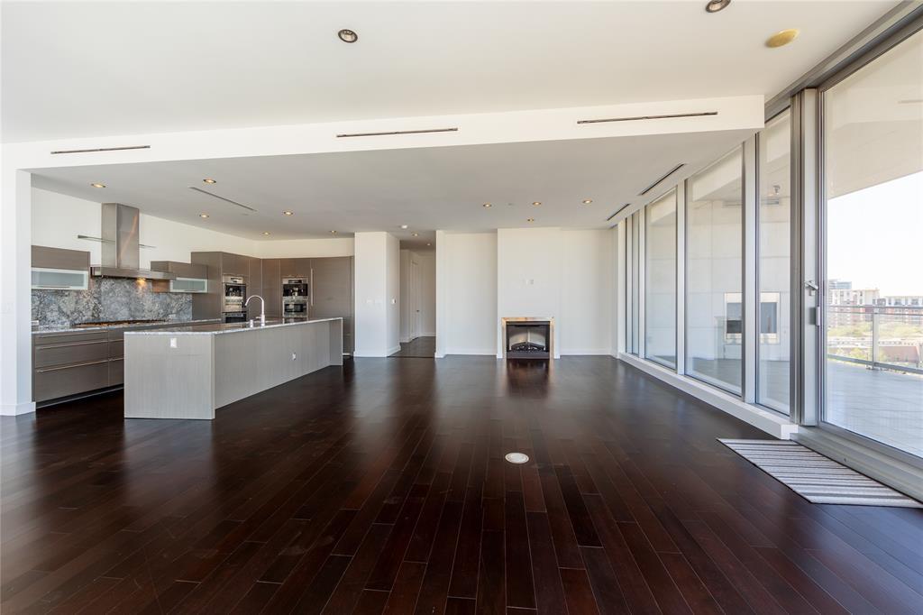 2900 Mckinnon  Street, Dallas, Texas 75201 - acquisto real estate best photos for luxury listings amy gasperini quick sale real estate