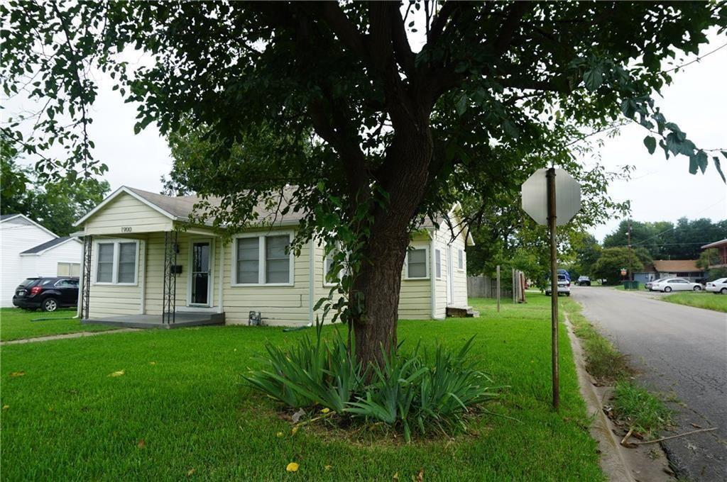 1900 Ash Street, Commerce, Texas 75428 - Acquisto Real Estate best frisco realtor Amy Gasperini 1031 exchange expert