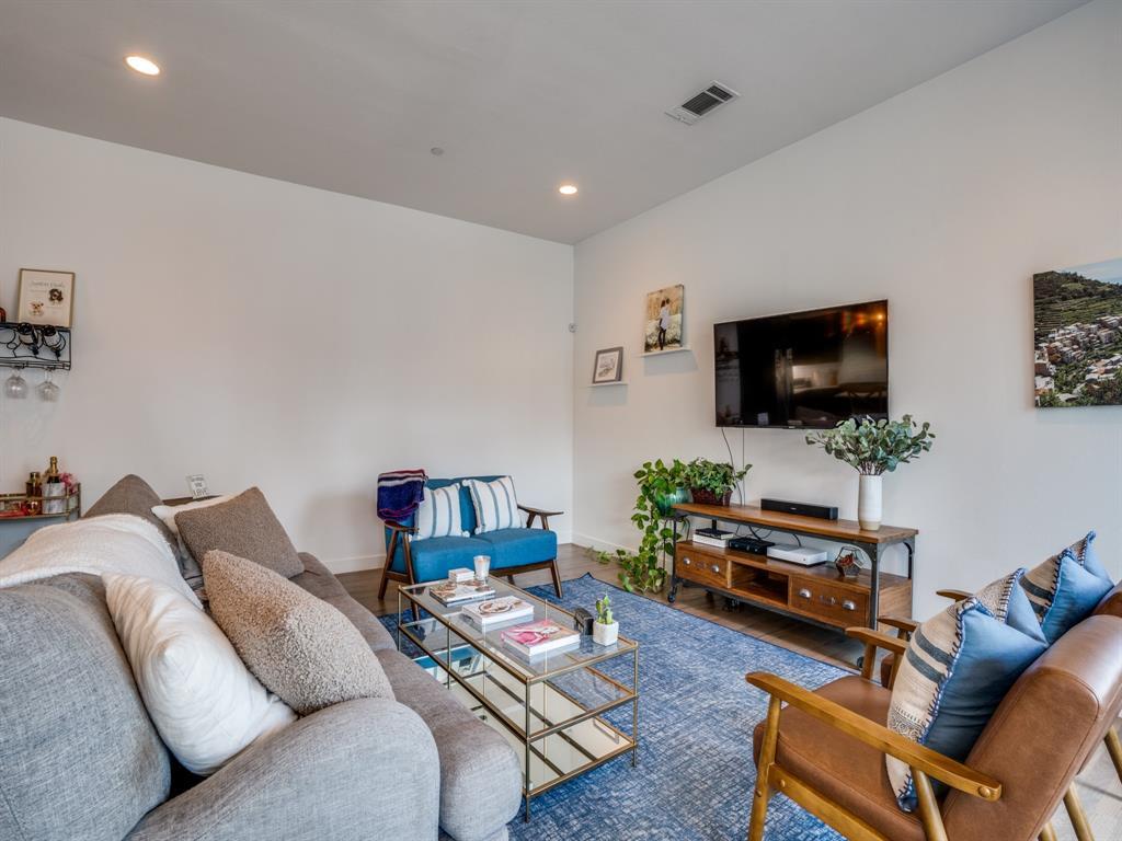 2115 Bennett Avenue, Dallas, Texas 75206 - acquisto real estate best new home sales realtor linda miller executor real estate