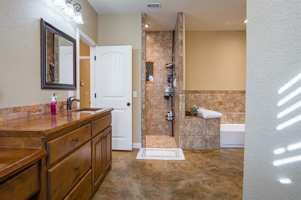 10 Liberty Court, Wichita Falls, Texas 76306 - acquisto real estate best photos for luxury listings amy gasperini quick sale real estate