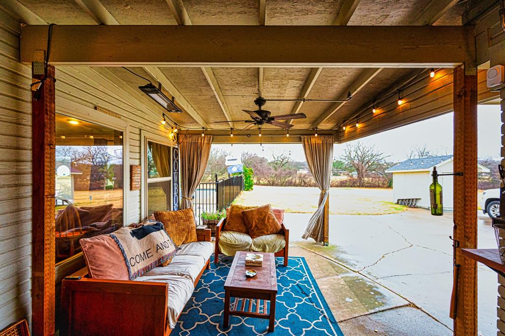 401 Country Club Drive, Joshua, Texas 76058 - acquisto real estate best plano real estate agent mike shepherd