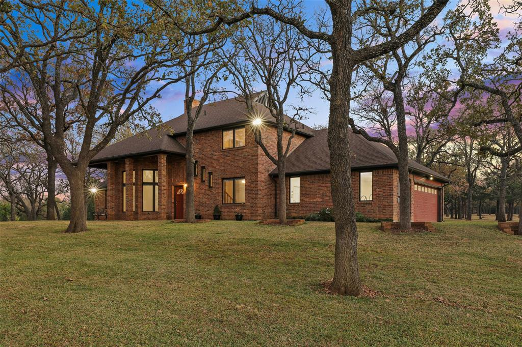 2044 Valley View  Drive, Burleson, Texas 76028 - Acquisto Real Estate best plano realtor mike Shepherd home owners association expert