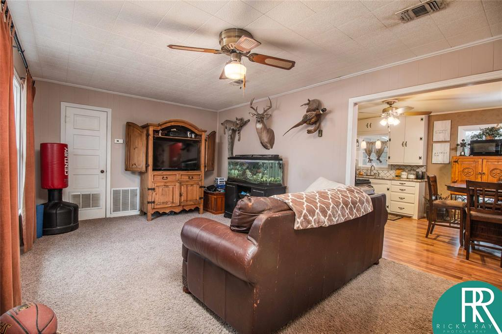 2210 Berkley Street, Brownwood, Texas 76801 - acquisto real estate best real estate company to work for