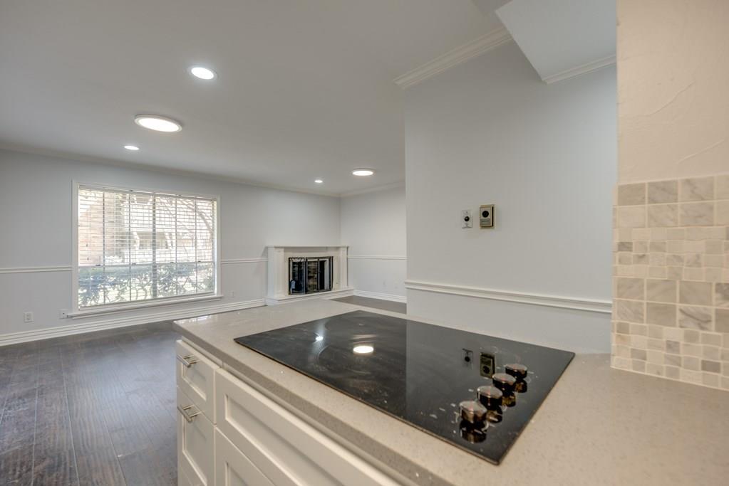 7705 Meadow Park Drive, Dallas, Texas 75230 - acquisto real estate best new home sales realtor linda miller executor real estate