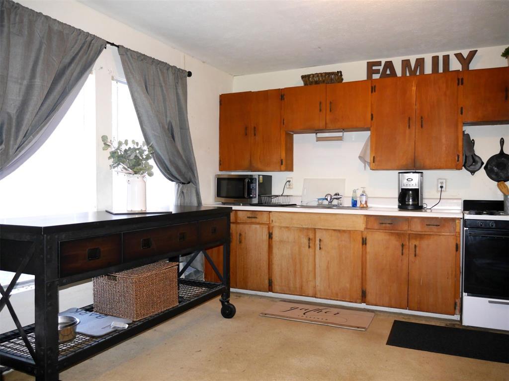 1829 County Road 402  Hamilton, Texas 76531 - acquisto real estate best prosper realtor susan cancemi windfarms realtor