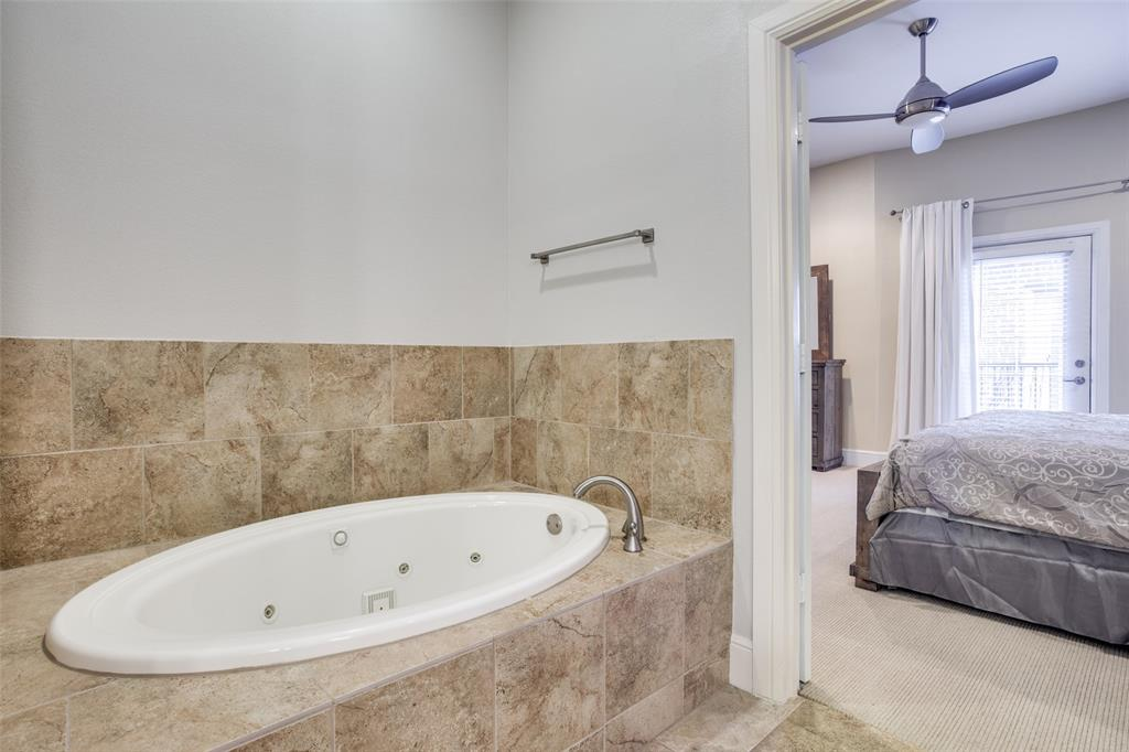 3200 Ross  Avenue, Dallas, Texas 75204 - acquisto real estaet best boutique real estate firm in texas for high net worth sellers