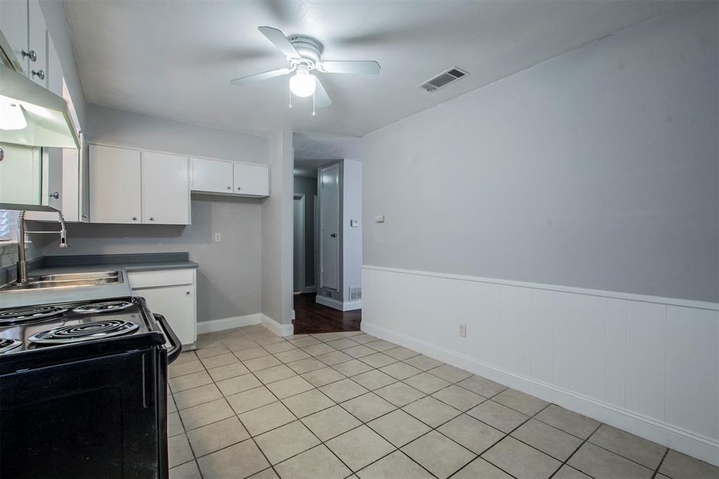 1317 Crockett Street, Garland, Texas 75040 - acquisto real estate best highland park realtor amy gasperini fast real estate service