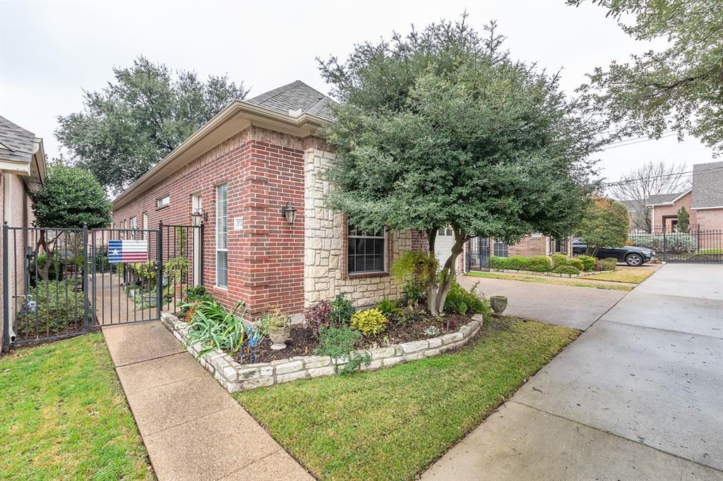 5031 Pershing Avenue, Fort Worth, Texas 76107 - Acquisto Real Estate best frisco realtor Amy Gasperini 1031 exchange expert