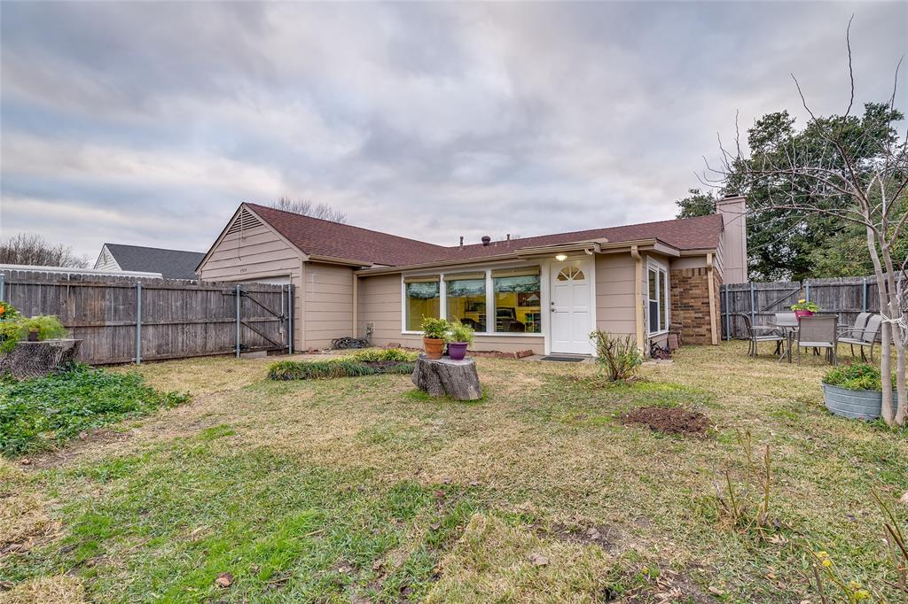 2926 Mars Drive, Garland, Texas 75040 - acquisto real estate best park cities realtor kim miller best staging agent