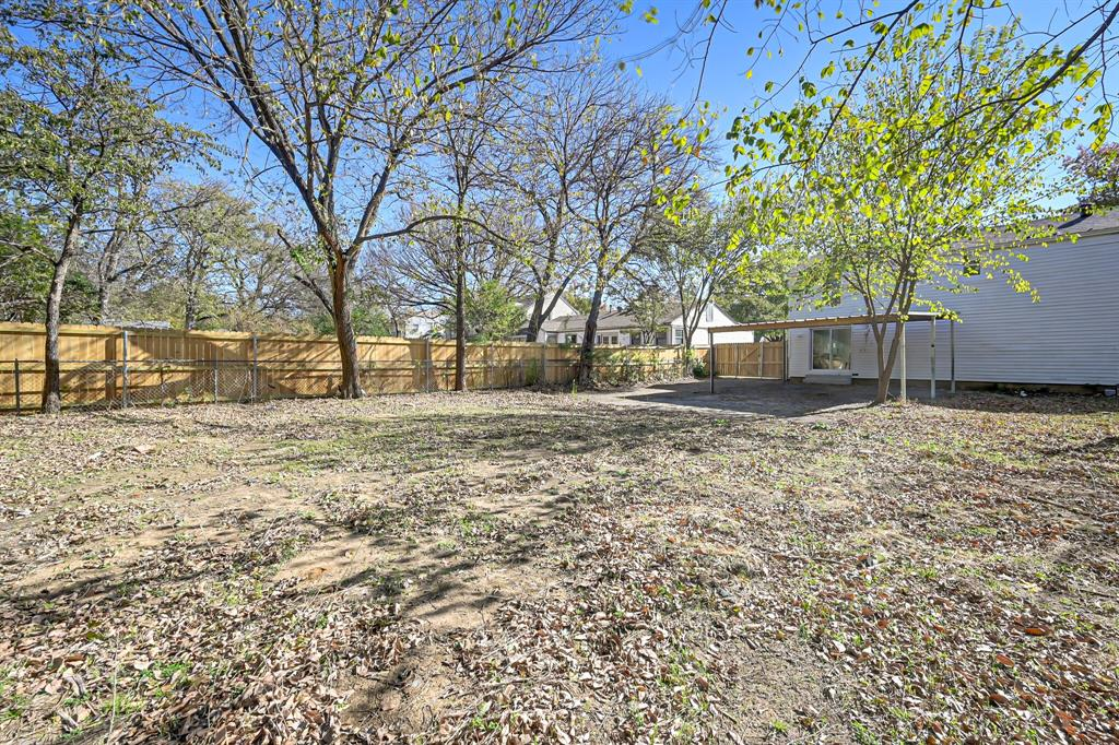 4409 Morris Court, Fort Worth, Texas 76103 - acquisto real estate best plano real estate agent mike shepherd