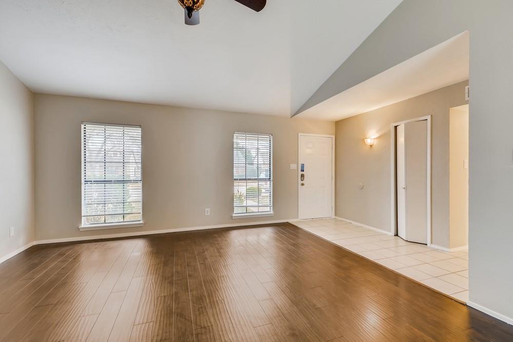 121 Kingsbridge Drive, Garland, Texas 75040 - acquisto real estate best highland park realtor amy gasperini fast real estate service