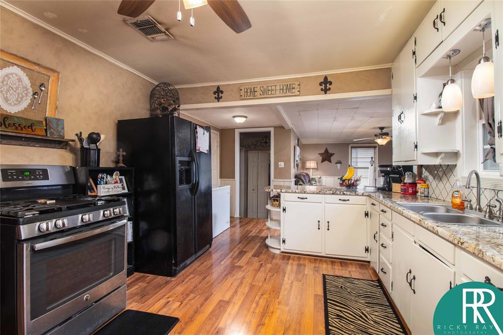 2210 Berkley Street, Brownwood, Texas 76801 - acquisto real estate best celina realtor logan lawrence best dressed realtor