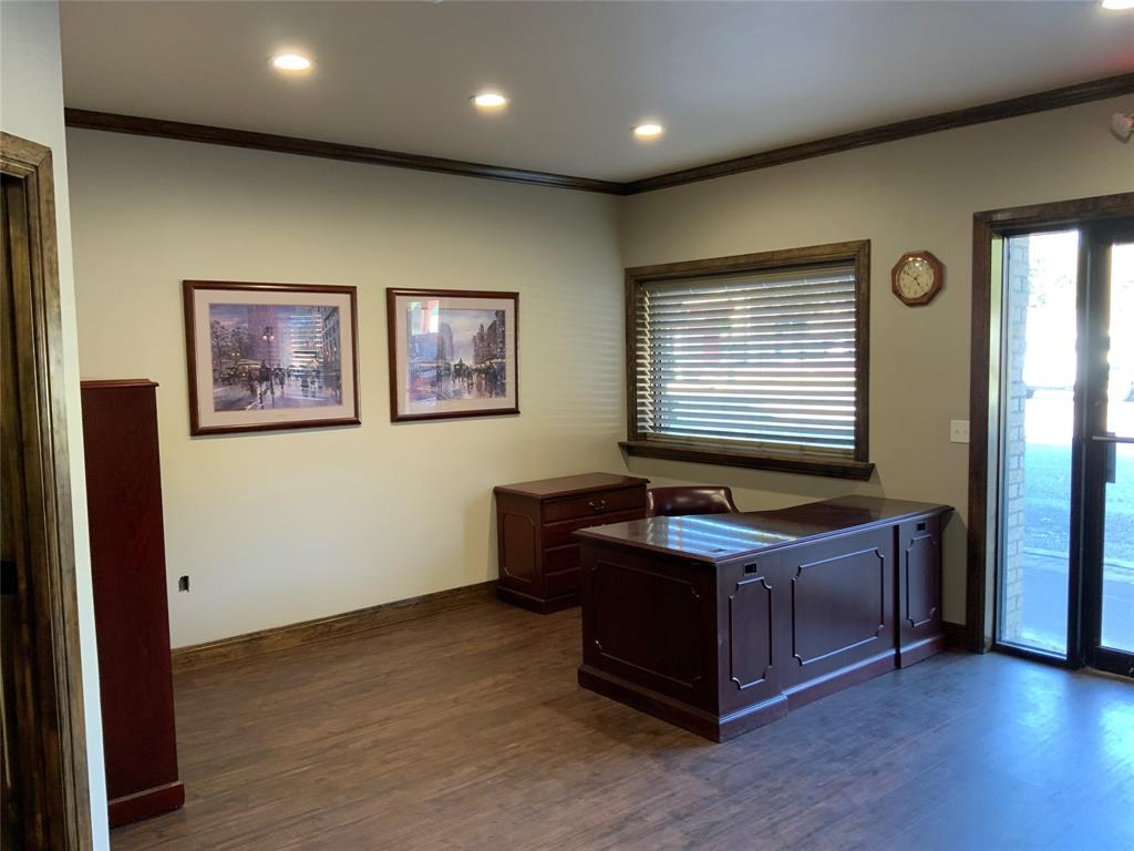 208 California  Street, Gainesville, Texas 76240 - acquisto real estate best real estate company to work for