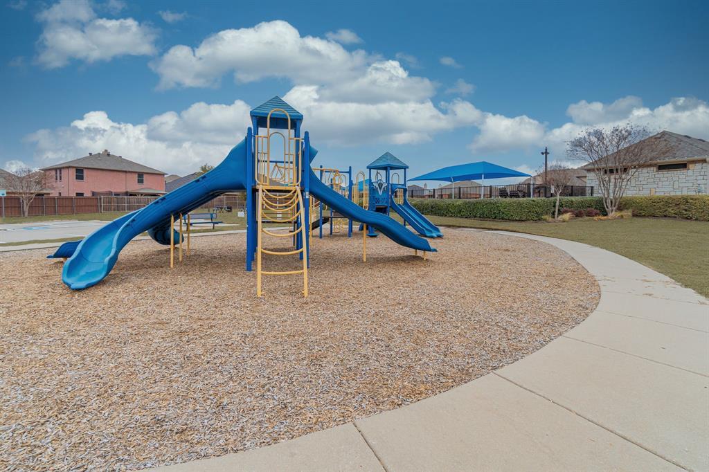 912 Brendan Drive, Little Elm, Texas 75068 - acquisto real estate best plano real estate agent mike shepherd